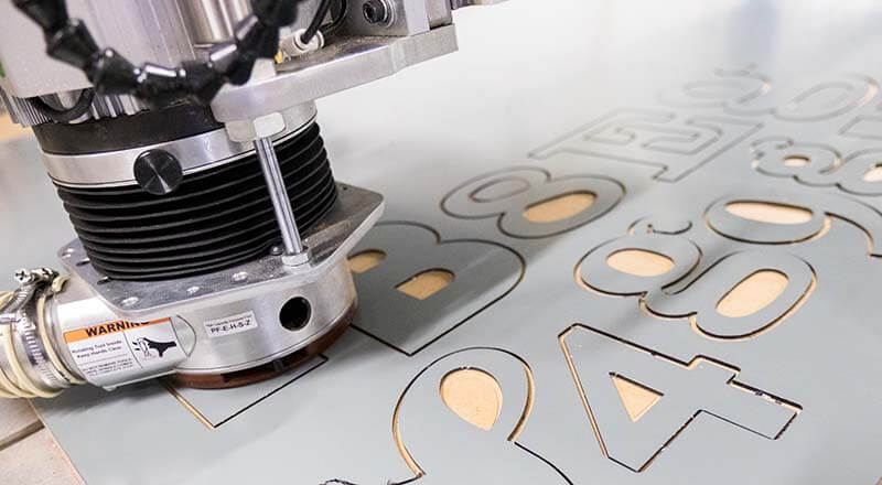 CNC Router for Graphics, Print Finishing, Signmaking   Trident by AXYZ